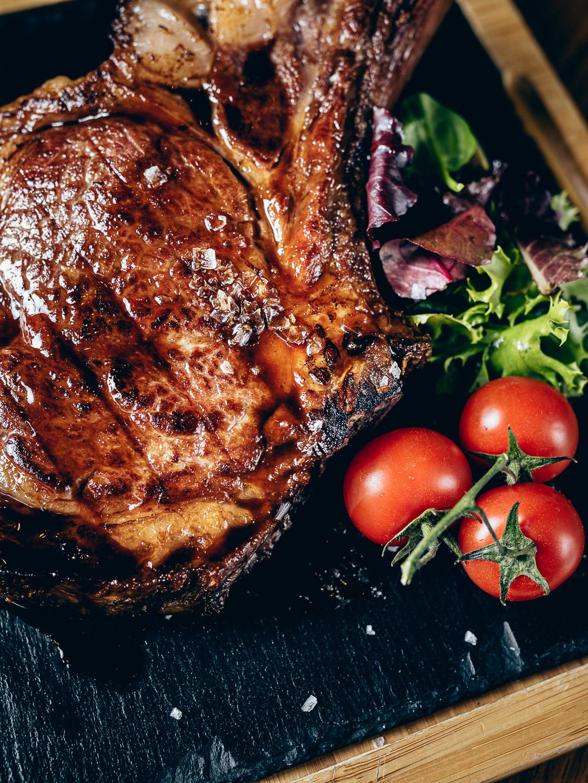steak with vegetable zöldséggel gasztro fotó gasztro fotózás gasztrofotó